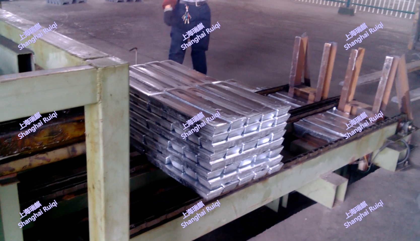 zinc ingot stacking machine / stacker